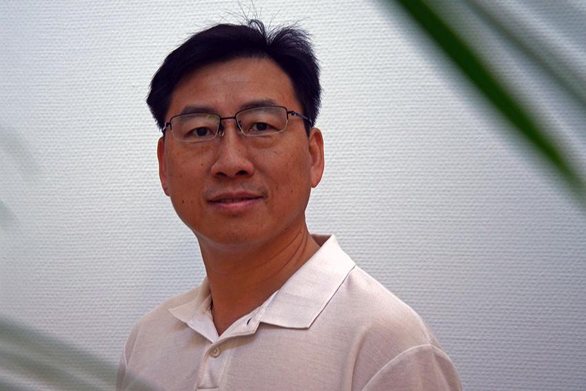 Portrait Foto von TCM Therapeut Zhijun Chen