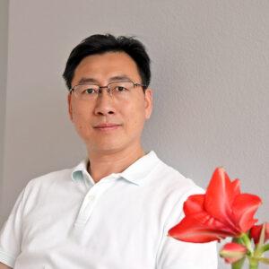 Portrait von Zhijun Chen, Therapeut von Wattwil TCM Chen
