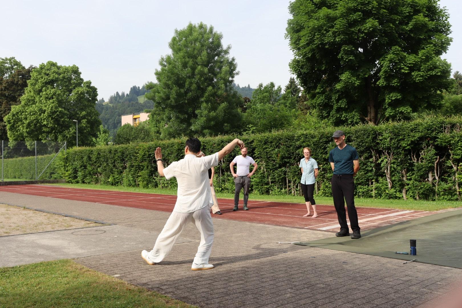 Tai Chi in Wattwil mit TCM Therapeut Zhijun chen